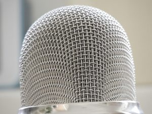 microphone-367581_640
